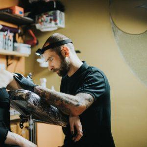 Maksimas tattoo meistras